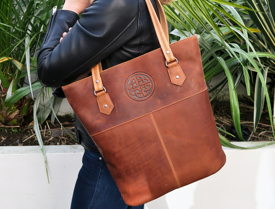 Model Tote Bag in Distressed Leather